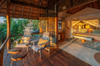 25 Night Zambia Lodge-based Self-drive (Lvi-Lvi)